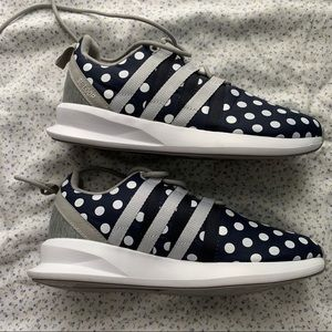 Polka dot adidas loop